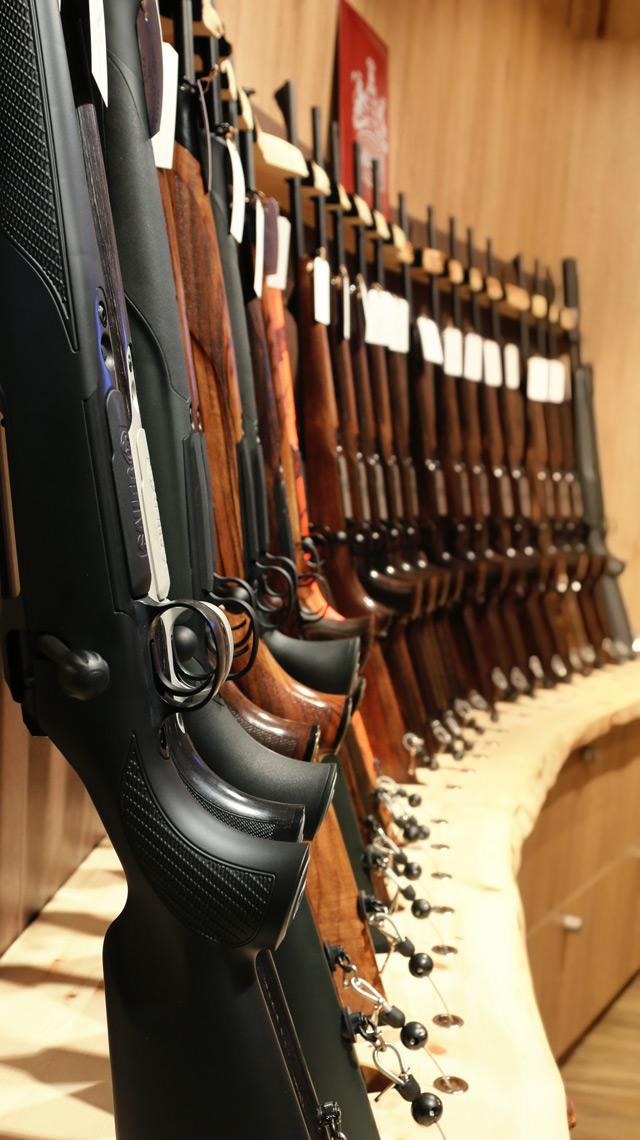 Sortiment an sofort verfügbarer Lagerwaffen
